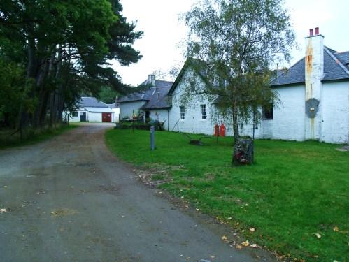 Kinross Village, Rum