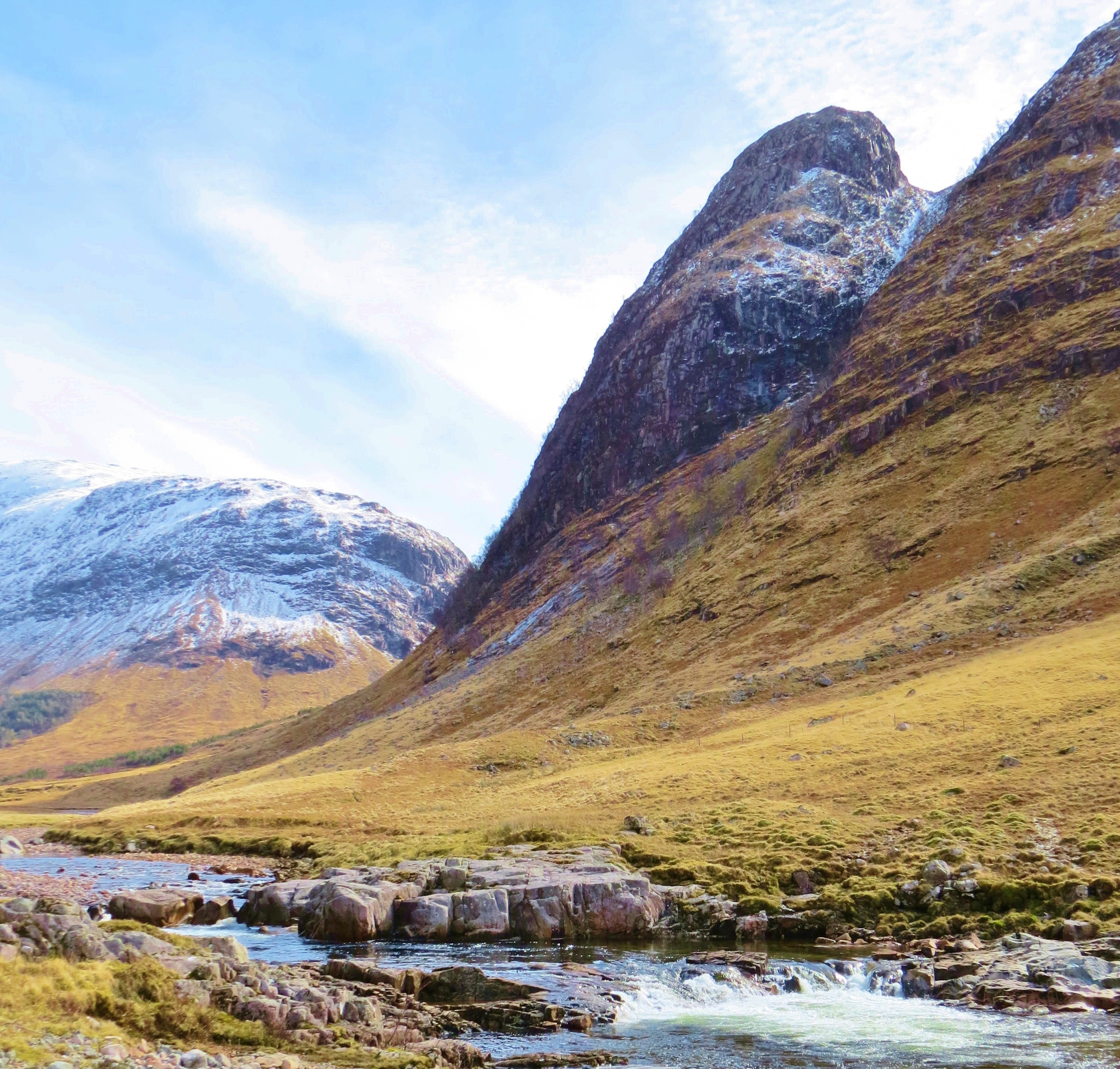 River Etive Fishing River Etive an Mountains in