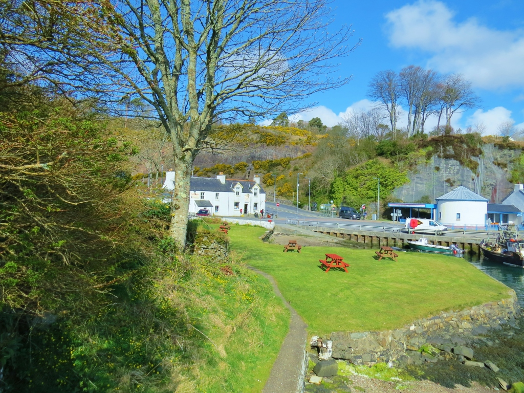 port askaig post office and tourist centre